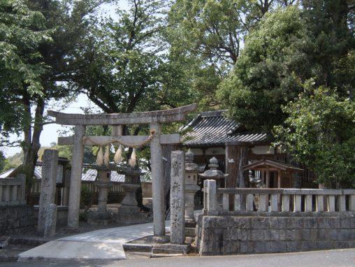 西葛城神社 (楠神社) – Nishikatsuragi Shrine