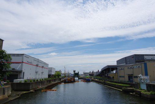 三十間堀川・貨物線跡(2枚) – Sanjikken-hori river (2 pics)