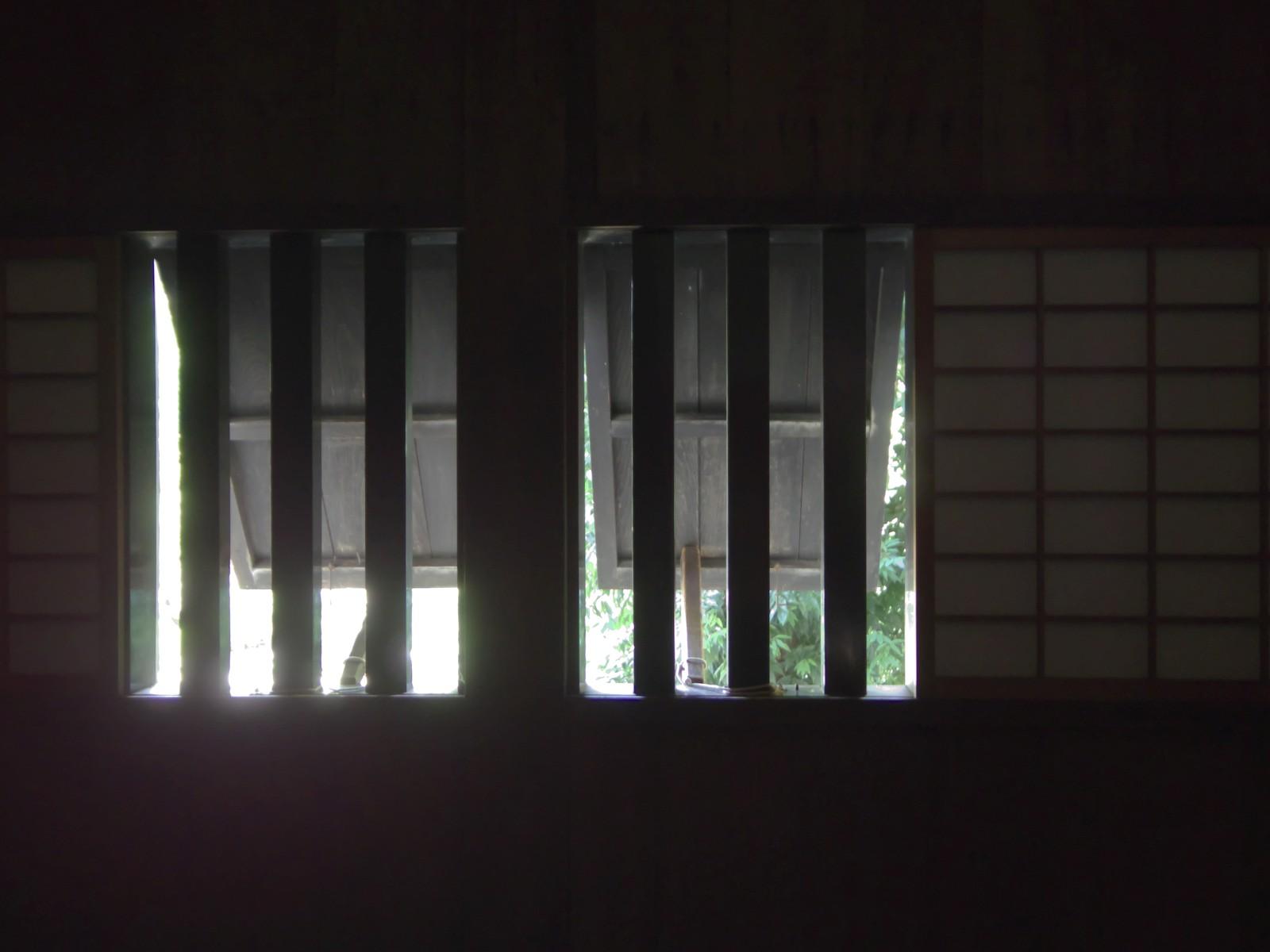 窓 – Antique Windows