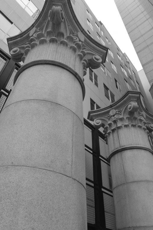 旧第一勧銀高麗橋支店の石柱 – Stone pillar of Old Dai-Ichi Kangyo Bank Koraibashi Branch